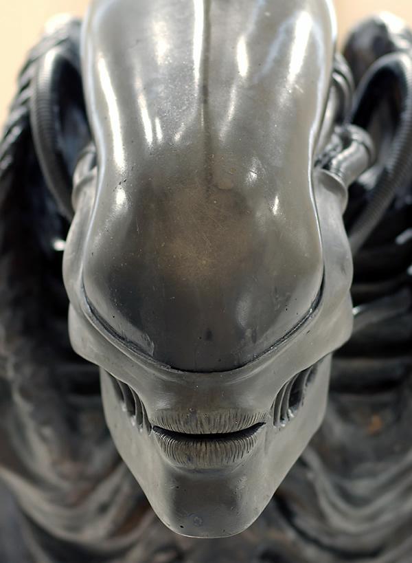 Acercamiento de boca de alien.